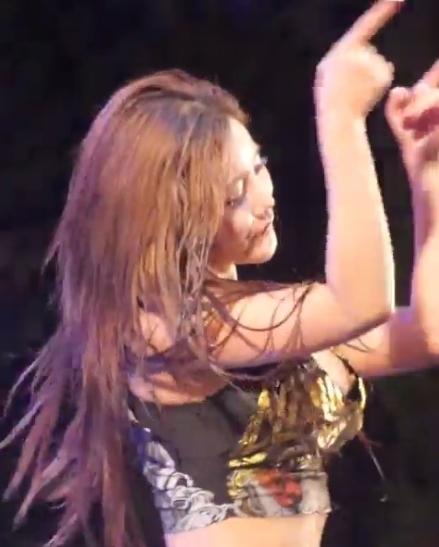 韓国のガールズグループ「LAYSHA」 Goeun(ゴウン)の乳首チラ見え 1