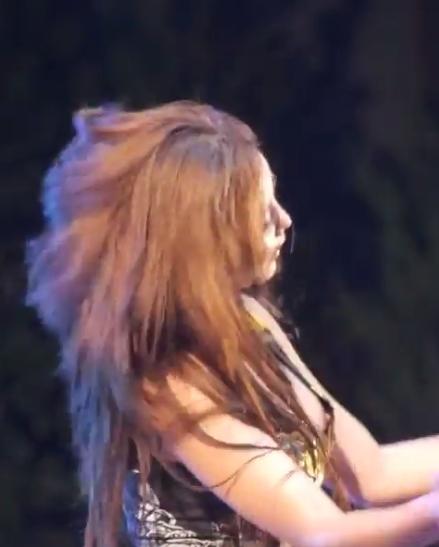 韓国のガールズグループ「LAYSHA」 Goeun(ゴウン)の乳首チラ見え 2