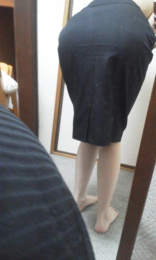 スーツを着たOLの自分撮りヌード画像 5