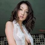 元ミスマガジンの現役女性社長 中川愛海 セクシーセミヌードグラビア画像