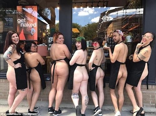 """自然派化粧品&ソープ店「LUSH(ラッシュ)」が""""裸エプロンDAY""""を実施 8"""