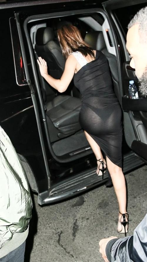 Selena Gomez(セレーナ・ゴメス) シースルー乳首&横チチ画像  8