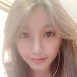 巨乳なアジアン極上美女のマ○コ自分撮りヌード画像?