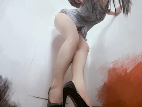 巨乳なアジアン極上美女のマ○コ自分撮りヌード画像? 3