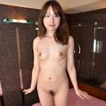 日本の21歳素人美女をホテルで撮影したヌード画像