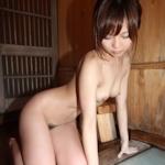 美人若妻の温泉ヌード画像