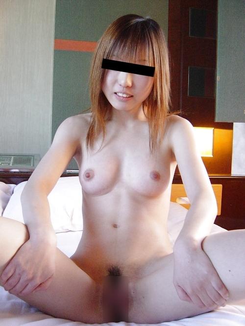 美乳なギャル系美少女のヌード画像 7