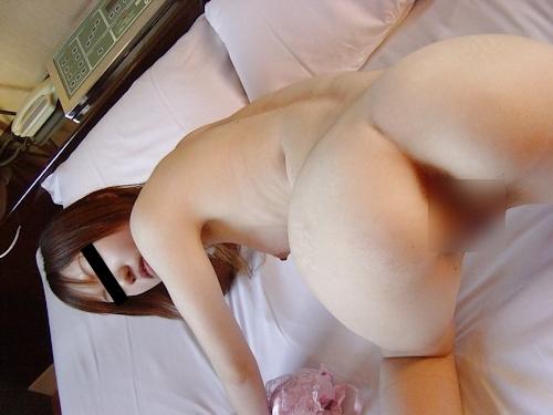 美乳なギャル系美少女のヌード画像 12