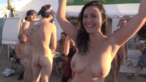 フランスの音楽イベントで全裸になってる美女のヌード動画 2