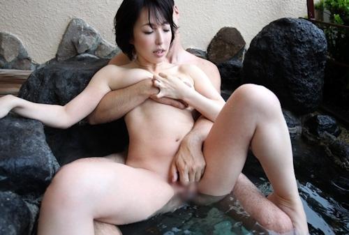 Eカップ美人妻 平野小百合 温泉ヌード&セックス画像 9