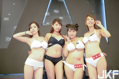 台湾アダルトエキスポに日本の人気AV女優が多数参加で台湾男性が大興奮 8