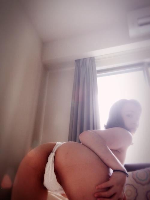 素人美女のヌード&オナニー自分撮り画像 3