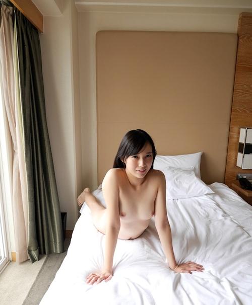 清楚系のきれいなお姉さん 新川優衣 セックス画像 5
