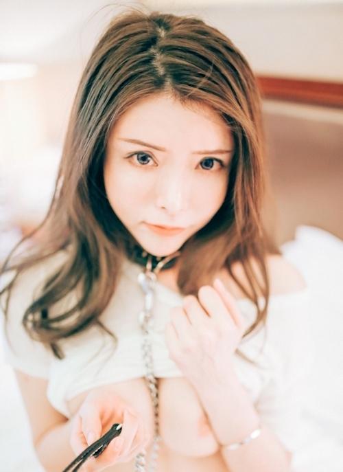 美巨乳な美女モデルをホテルで撮影したヌード画像 7