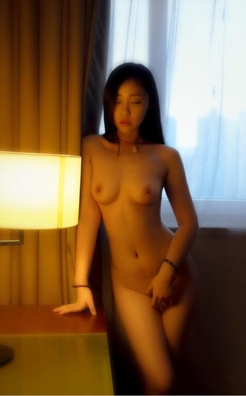中国美女をホテルで個人撮影したヌード画像 6