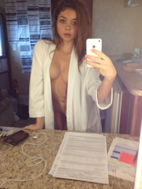 アメリカ女優 Sarah Hyland(サラ・ハイランド)のヌード画像が流出 4