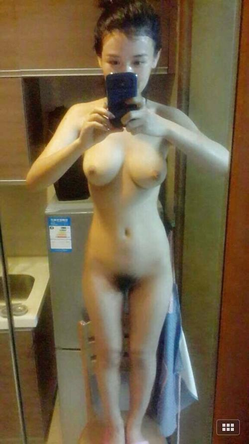 アジアン美女の自分撮りヌード画像 20