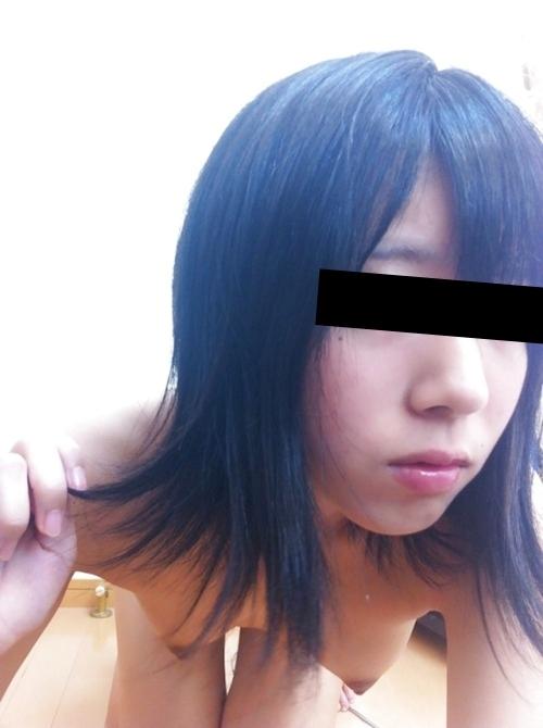 美微乳な極上美少女の自分撮りヌード流出画像 4