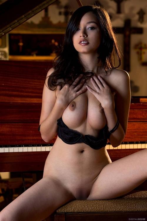 アメリカ美女モデル Eden Arya(エデン・アリア) セクシーヌード画像 8