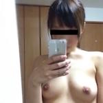 セフレという日本の素人美女の自分撮りヌード画像