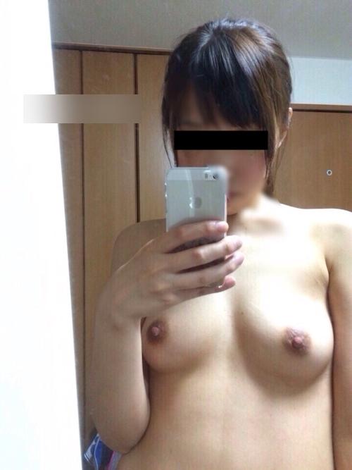 セフレという日本の素人美女の自分撮りヌード画像 5
