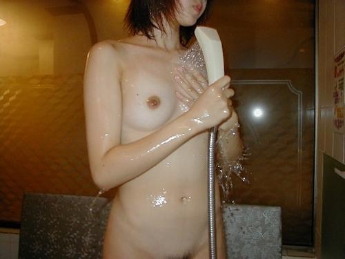 美微乳な女子大生とホテルに行って撮ったヌード画像 5