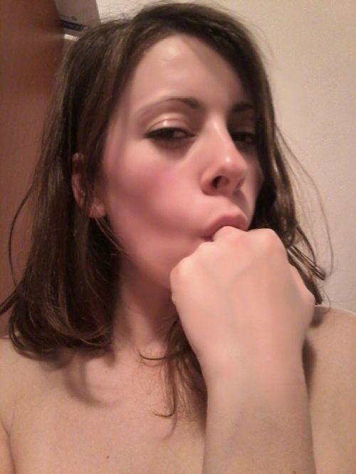 西洋素人美女の自分撮りヌード流出画像 9