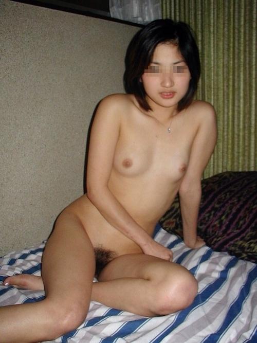 日本の素人美女&美少女の流出ヌード画像 12