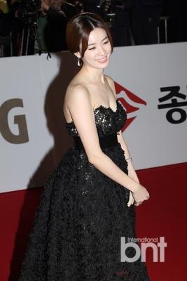 Han-Hyo-Joo-290618 (6)