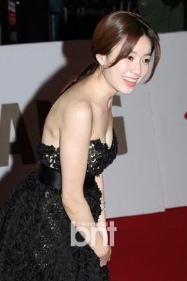 Han-Hyo-Joo-290618 (11)