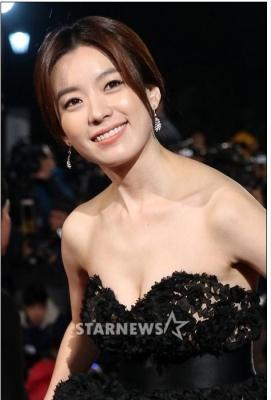 Han-Hyo-Joo-290618 (13)