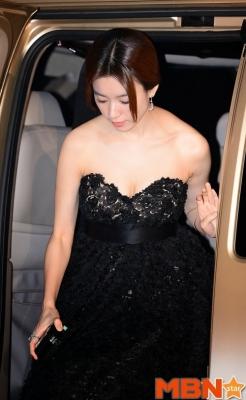 Han-Hyo-Joo-290618 (15)