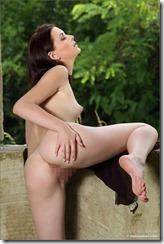 nude-281220 (3)