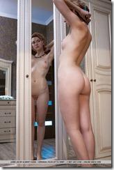 nude-290325 (2)