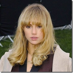 Suki-Waterhouse-290423 (1)