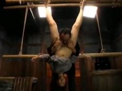 こんな格好にすれば女のマンコを舐めるのは容易い - エロ動画 アダルト動画(2)