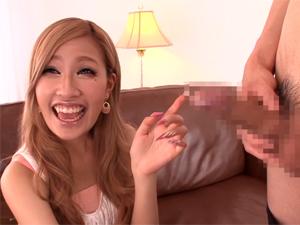 あいかりん モデルでダンサーでカリスマキャバ嬢の極上ギャルにエッチなインタビューしながら勃起チンポを見てもらいます!