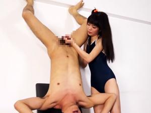 スク水美少女が変態M男に腋舐めされ強引な手コキで射精させます!