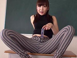 ピタパン熟女教師が淫語タップリでチンポとマンコについて教えてくれます!加納綾子
