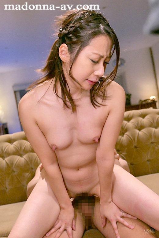 秋山美咲 画像 09