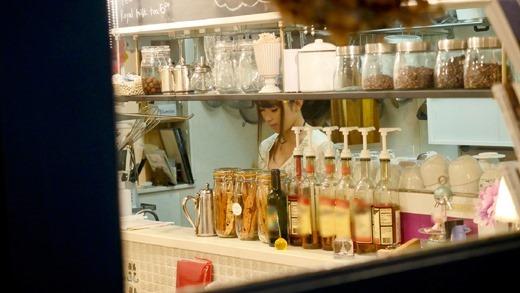 カフェ店員と店内セックス 05