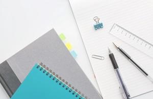 ノートと筆記用具リサイズ