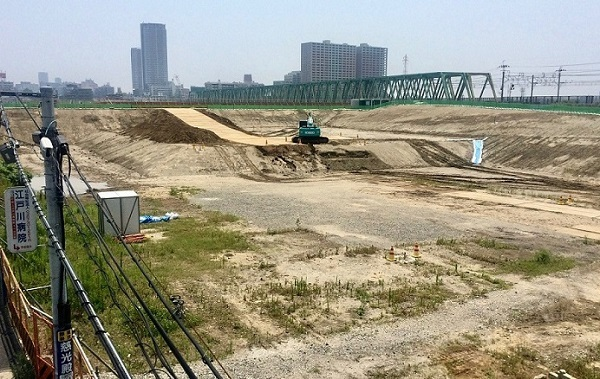 写真①更地化した工事現場 -172kb
