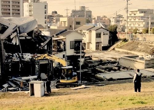 写真⑤街壊しの記録最新版01 -128kb