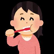 歯を磨いている女性