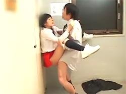 パチンコ店の可愛い店員さんにイタズラ→敏感な反応の娘とトイレでこっそりSEX