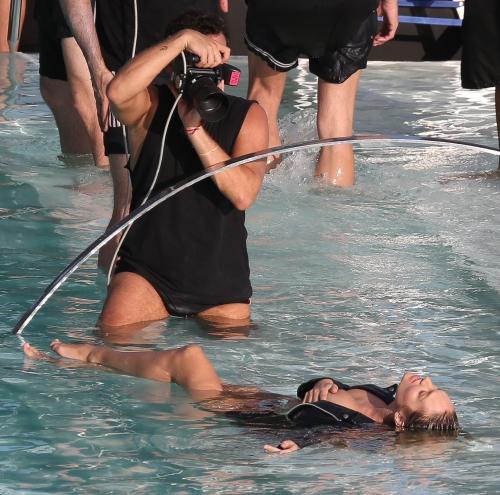 Candice Swanepoel Nip Slip (2)