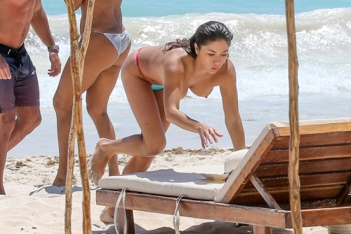 Arianny Celeste Topless on the beach
