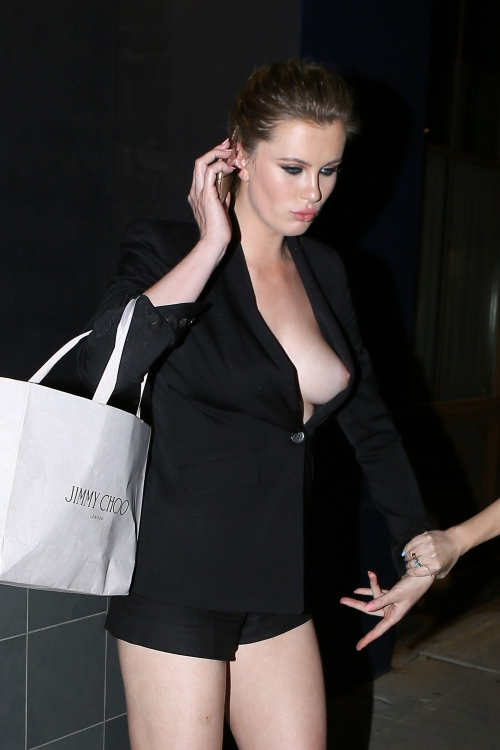 Ireland Baldwin - Braless & Nippy