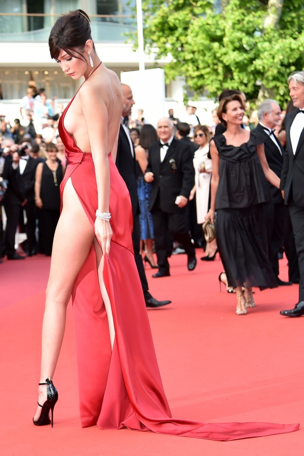 BellaHadid_Cannes (15)